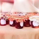 Вкусный декор: идеи для хранения и украшения банок с вареньем
