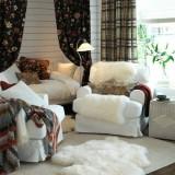 Мягкая и пушистая овечья шкура: элемент декора интерьера, эффект антистресса и уютный коврик