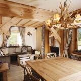 Зимнее очарование рождества: Деревянный дом в горах Италии от студии Gianpaolo Zandegiacomo