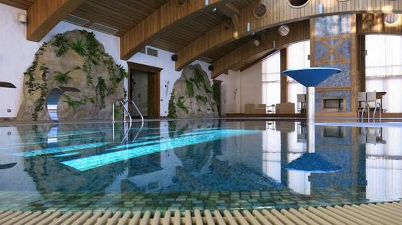 """Небольшой"" бассейн. В центре, видимо, чаше Олимпийского огня"
