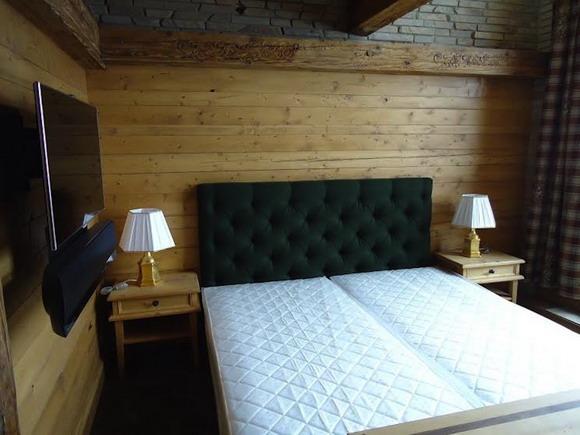 Спальня попроще - гостевая что ли?