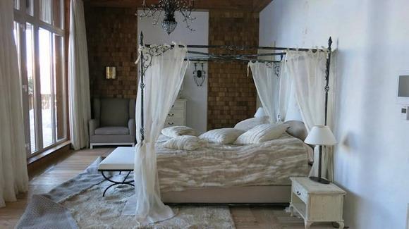 Еще одна спальня попроще, но тоже неплоха