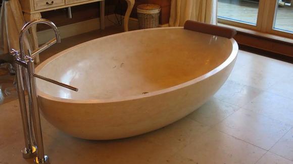 Оценим ванну на даче Медведева в Сочи