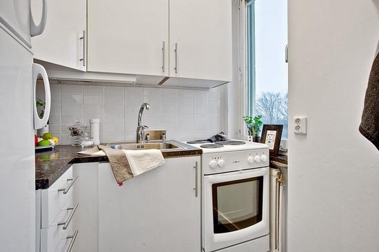Компактная кухня для маленькой квартиры