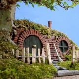 Миниатюрный домик для хоббита сделан своими руками