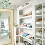 Для любителей белоснежного: 6 идей для отдельной белой гардеробной в квартире