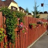 Какой забор сделать на даче: идеи, материалы и декор