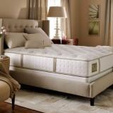 Выбирая мебель для спальной, не забывайте о качественном матрасе!
