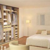 Шкаф-купе в интерьере современной спальни