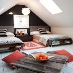 30 идей комнаты на чердаке: спальня, гостиная, кухня, детская и рабочее место