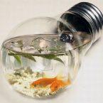 Не выбрасывайте старые вещи! 19 креативных идей поделок из обычных лампочек